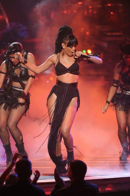 Rihanna on American Idol Finale