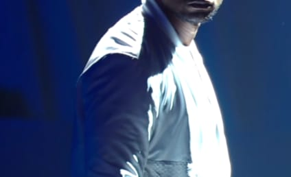 Usher Teams with Nicki Minaj, Performs at MTV Video Music Awards
