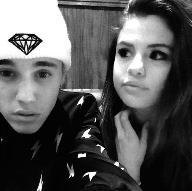 Justin Bieber and Selena Gomez Selfie