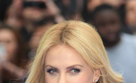 Charlize Theron Red Carpet Pic
