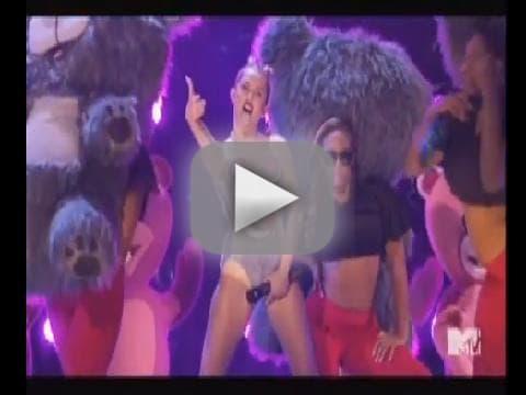 Miley Cyrus Twerking at VMAs