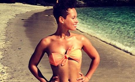 Alicia Keys Bikini