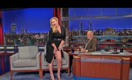 Amy Schumer Pretends to Show David Letterman Her Vagina