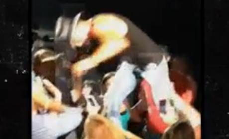 Tim McGraw Slaps Fan