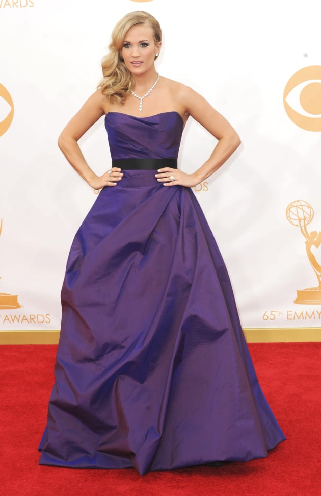 Best and worst dressed emmys yahoo dating. Dating for one night.