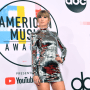 Taylor Swift at 2018 AMAs