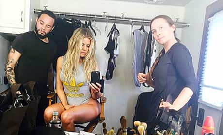 Khloe Kardashian Legs Photo