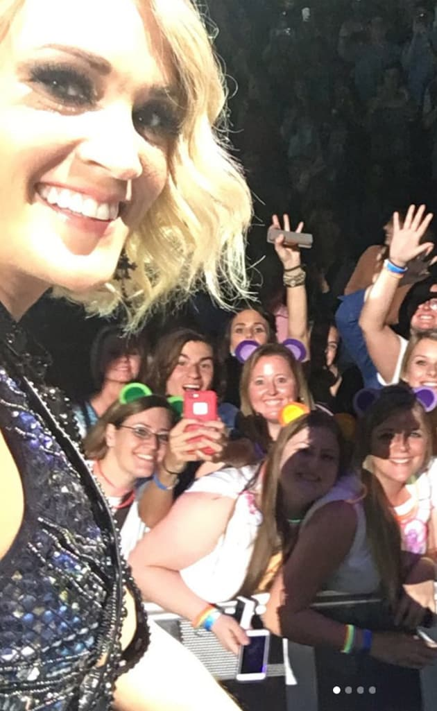 Carrie Underwood and Fans