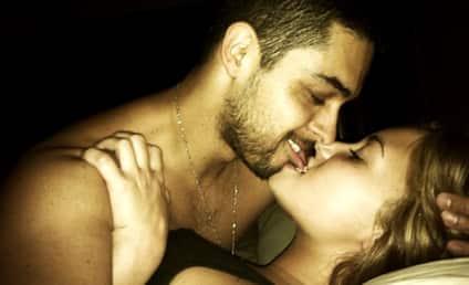 Demi Lovato Nude Pics Leak Online; Singer Poses in Bed with Wilmer Valderrama