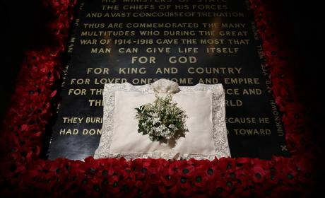 Kate Middleton's Bouquet At The Grave Of The Unknown Warrior