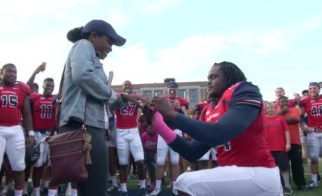 College Team Helps Linebacker Propose to Girlfriend