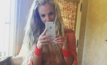 Britney Spears Flaunts FLAWLESS Abs on Instagram