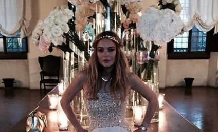 Lindsay Lohan Runs Around Naked at Wedding Because of Course She Does