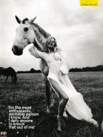 Sienna Miller, Horse