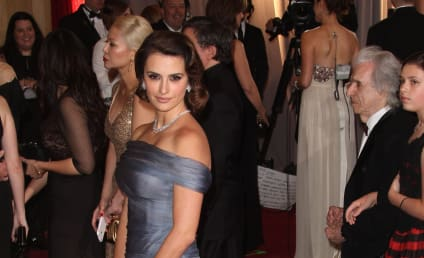 Oscar Fashion Face-Off: Penelope Cruz vs. Marisa Tomei