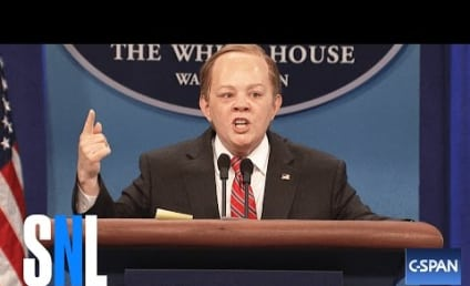 Melissa McCarthy Hosts Saturday Night Live: Watch Sean Spicer Make Out with Donald Trump!