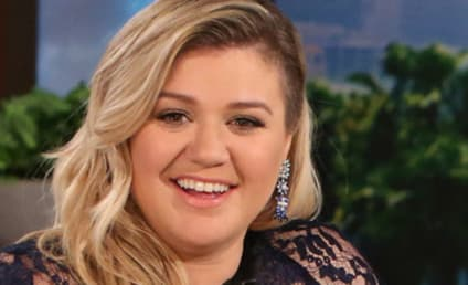 "Chris Wallace Tells Kelly Clarkson to ""Stay Off Deep Dish Pizza"""