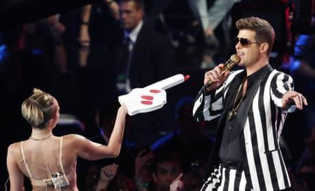 Miley Cyrus, Robin Thicke