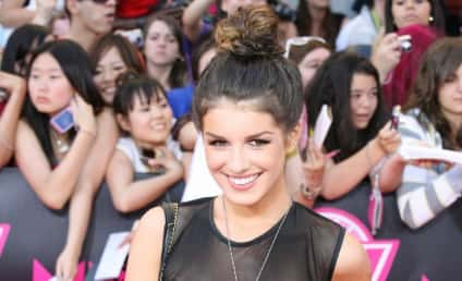 Shenae Grimes Makes Friends with Salad