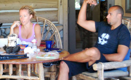 Kendra Wilkinson: NOT Actually Single! Still Working on Marriage!