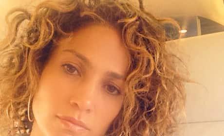 How do you prefer Jennifer Lopez's hair?