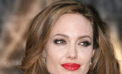 Angelina Jolie Donates $100,000 to UN on World Refugee Day