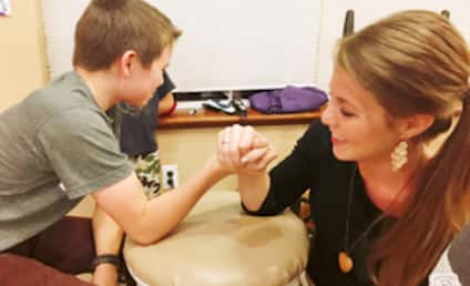 "Jana Duggar: Fans Encourage ""Cinderella"" to Go to College, Start Career"