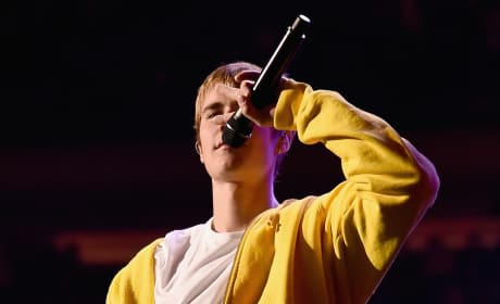 Justin Biebe in Yellow