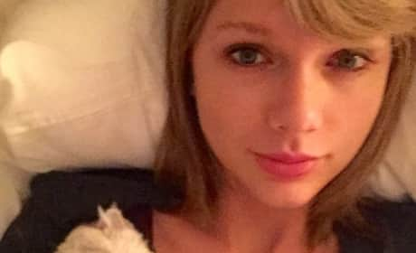 Taylor Swift: Makeup-Free With Cat