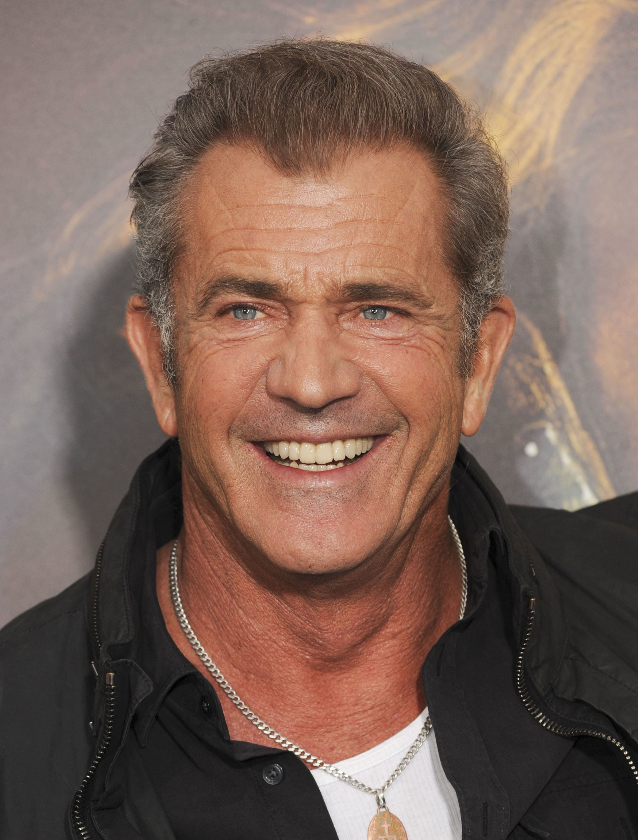 Mel gibson drunk at whole foods with fork in mouth the hollywood mel gibson drunk at whole foods with fork in mouth the hollywood gossip thecheapjerseys Images