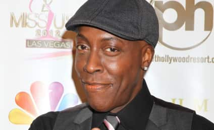 Arsenio Hall Books Return to Late Night