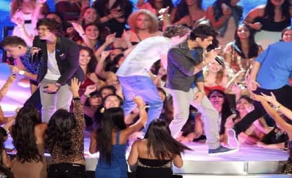 One Direction Video Music Awards Performance: Watch Now!