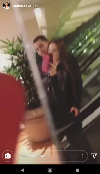 Anfisa Arkhipchenko and Jorge Nava, Out Shopping