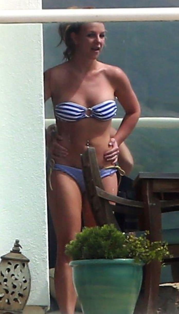 Bikini lynn smoking
