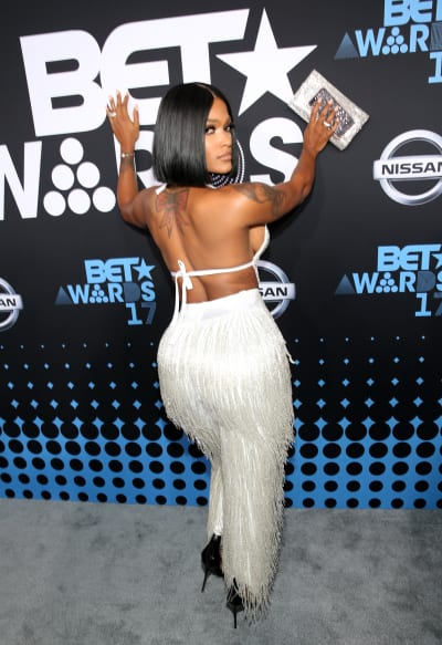 Joseline Hernandez Shows Her Rear
