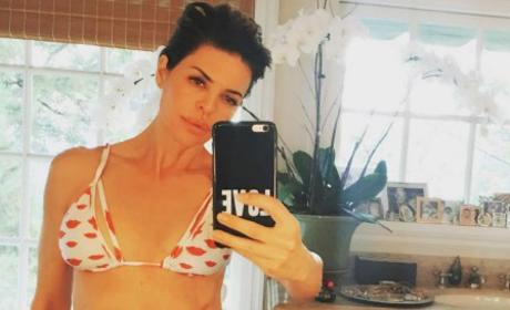 Lisa Rinna Bikini Body