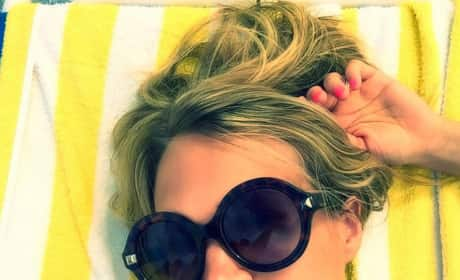 "Carrie Underwood ""Bikini"" Selfie"