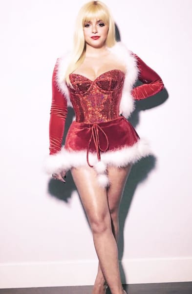 Ariel Winter: Sexy Santa Get-Up