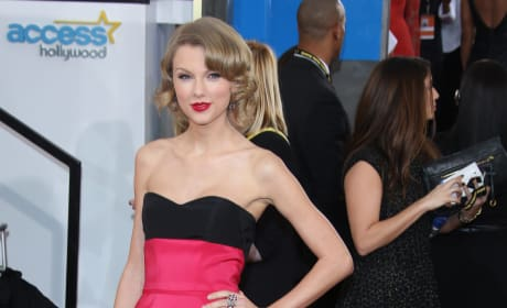 Taylor Swift at the 2014 Golden Globes