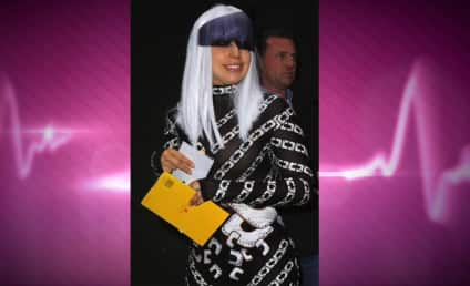 Lady Gaga to Paparazzi: Photoshop My Pics (No, For Real)!