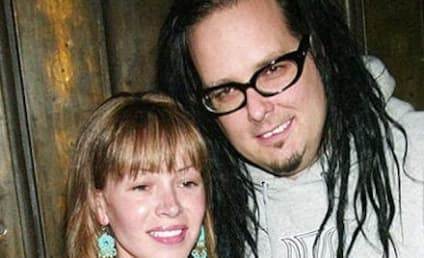 Deven Davis, Wife of Korn Frontman, Dead at 39