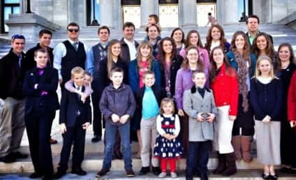 """19 Kids and Counting: FCC Complaints of """"Dangerous"""" Duggars May Doom Series"""