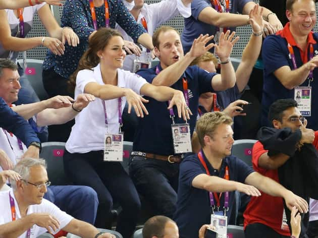 Kate Middleton, Prince William Wave