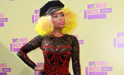 VMA Fashion Face-Off: Nicki Minaj vs. Ke$ha