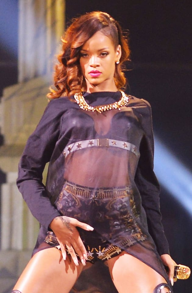 Is rihanna straight or bisexual