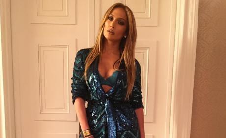 Jennifer Lopez Sparkly Outfit Pic
