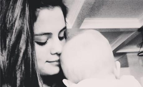 Selena Gomez, Sister