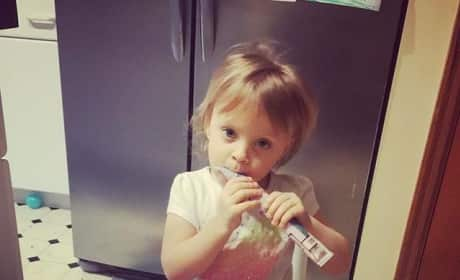 Leah Messer Feeds Her Daughter!