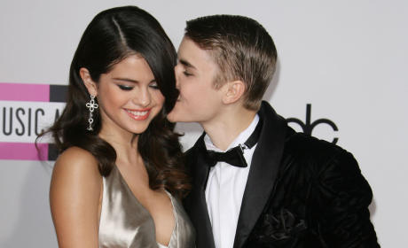 14 Celebrity Couples Who Just Can't Quit Each Other