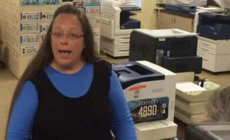 Kim Davis: Kentucky Clerk JAILED For Refusing to Grant Same-Sex Marriage Licenses!